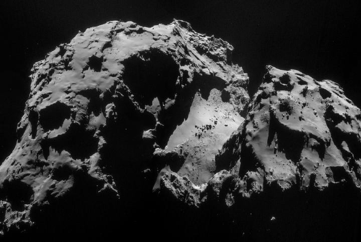 Comet_on_24_September_NavCam_720px