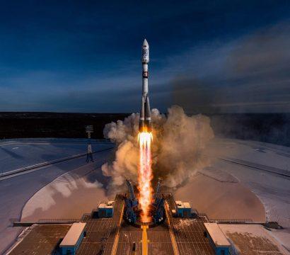 image of Soyus rocket liftoff