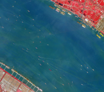 Near infrared data allows for better differentiation between water and other surfaces, unlocking the full potential of our objection detection analytics. // Imagery of Yangtze River, China on April 6, 2019 // Credit: Rob Simmon, Planet