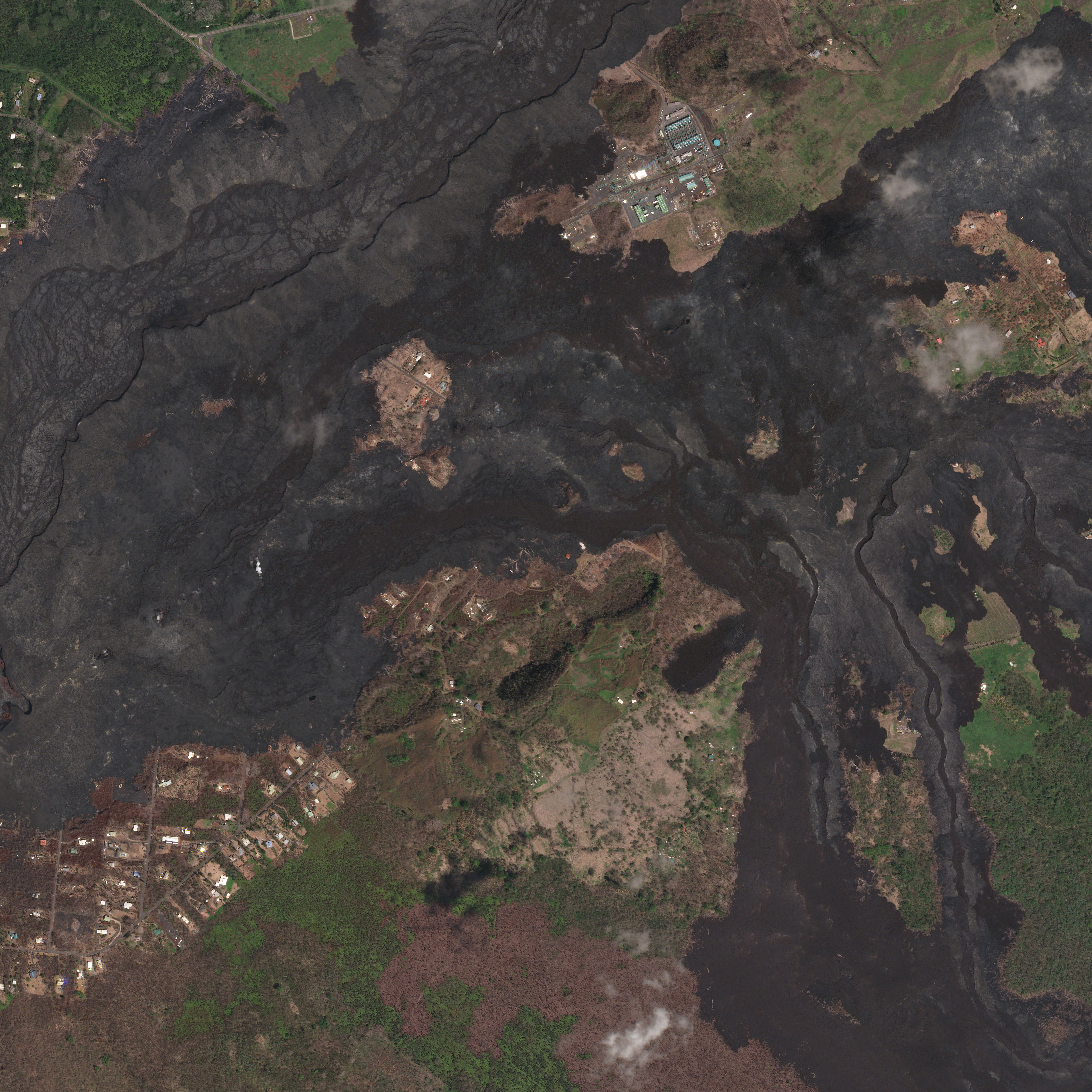 Lava flows destroy vegetation in Pahoa, Hawaii in September of 2018. (c) 2018, Planet Labs Inc. All Rights Reserved.