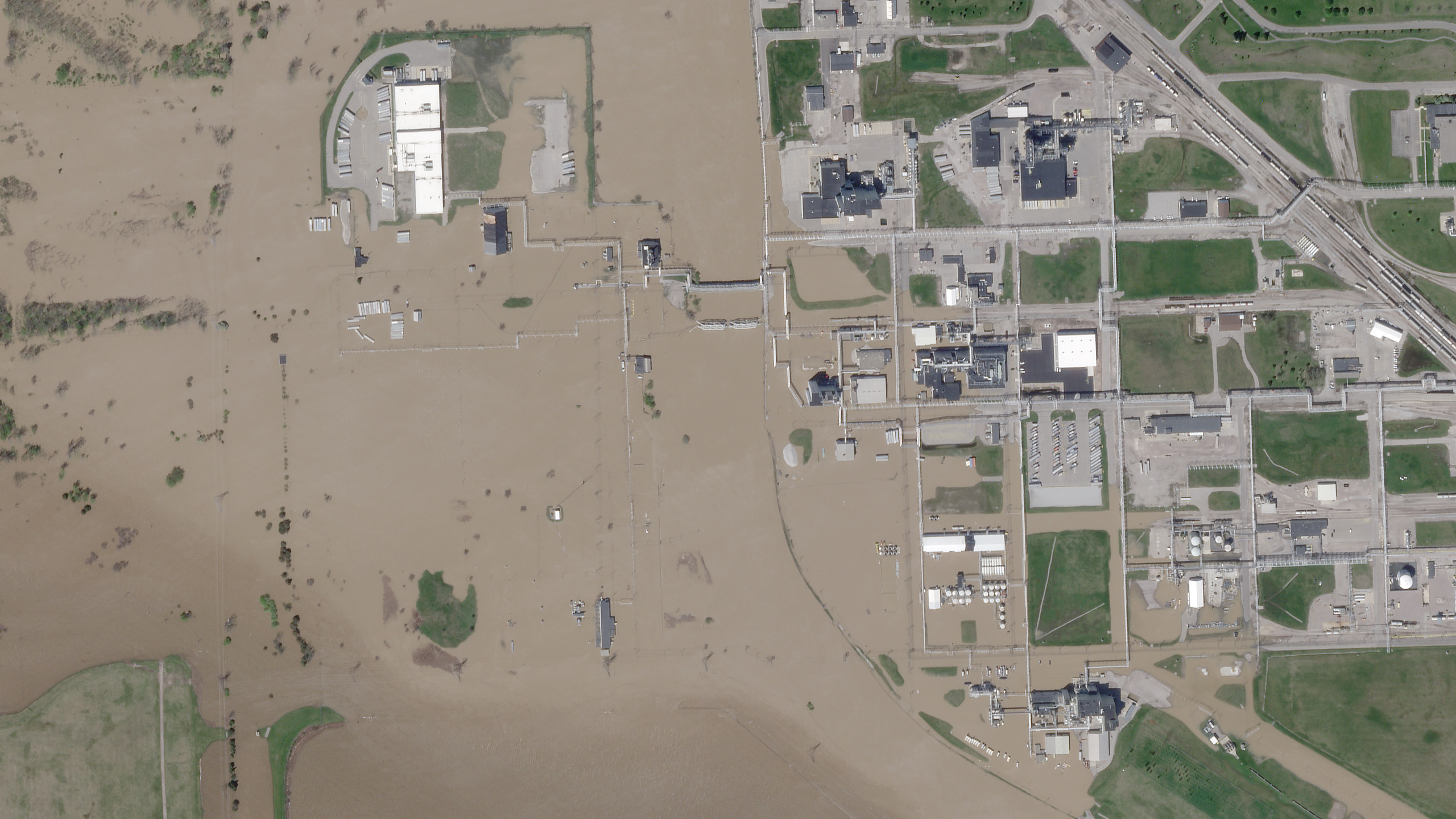 After the flooding on May 20, 2020 © 2020, Planet Labs Inc. All Rights Reserved.
