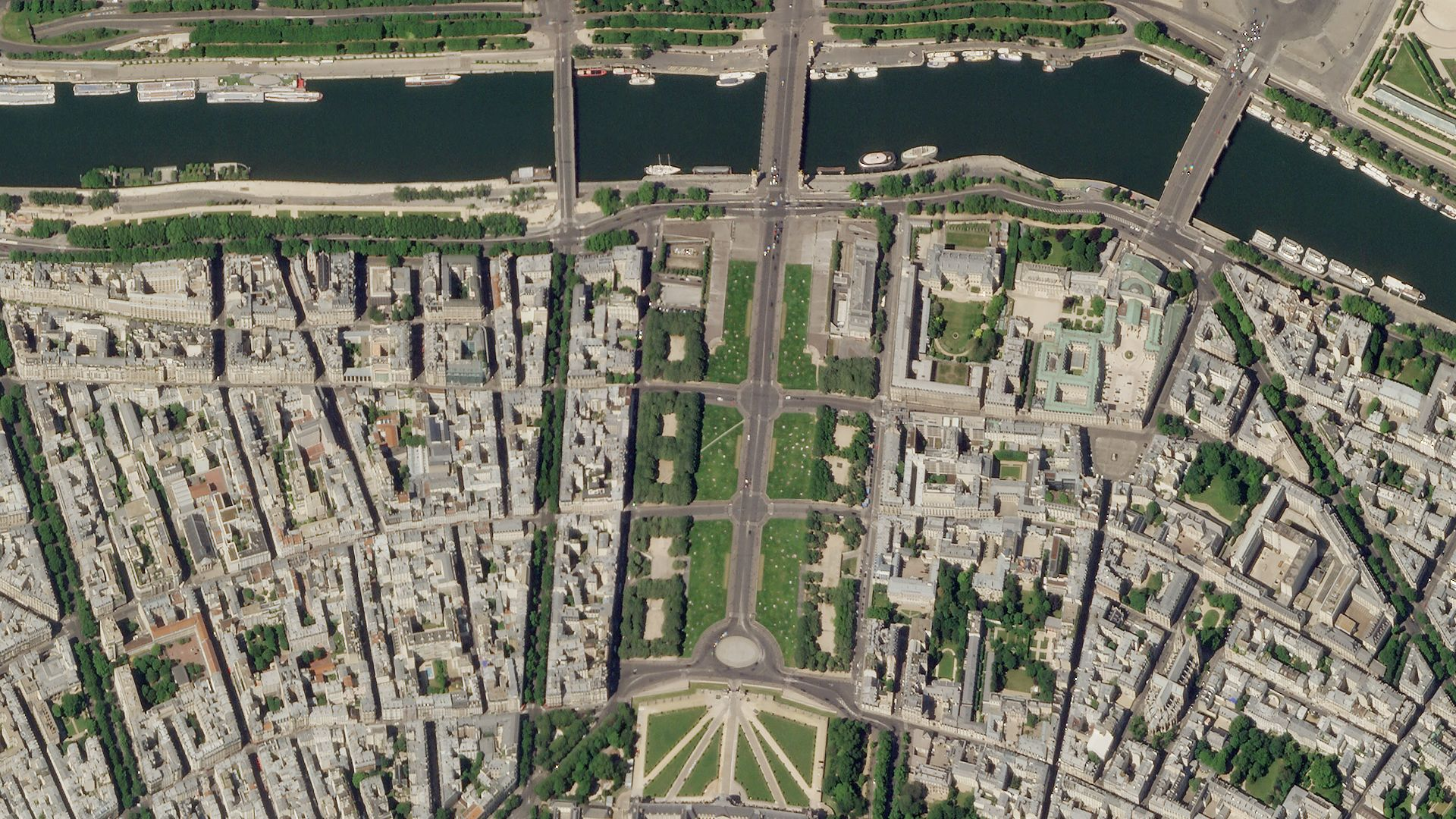 SkySat image of Paris, France on May 17, 2020 © 2020, Planet Labs Inc. All Rights Reserved.