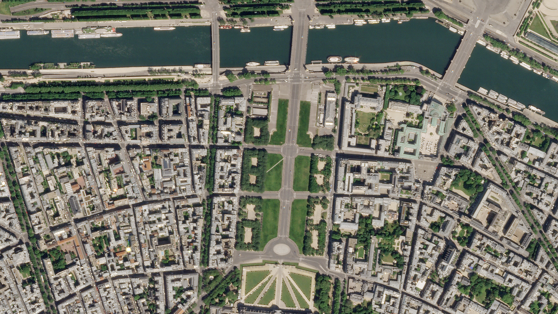 SkySat image of Paris, France, May 6, 2020 © 2020, Planet Labs Inc. All Rights Reserved.